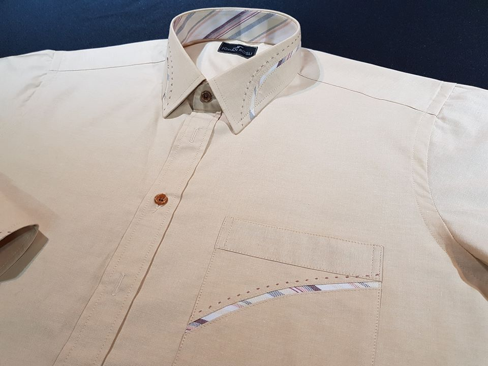 Amcm? Biasa tgk baju2 mcmni kat kedai tailor besar je kan... Kalau nak tahu, aku pun boleh buat..Hahaha..(gelak jahat..) . #jubahlelakijohanrosli #johanrosli #bajukemejatempah #bespokemalaysia #bajukemeja #bajukemejahandstitching #bajukemejahandstitch